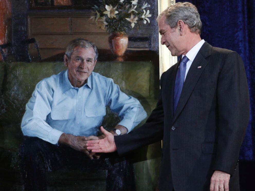 PHOTO: President George W. Bush unveils his portrait at the National Portrait Gallery, Dec. 19, 2008, in Washington.