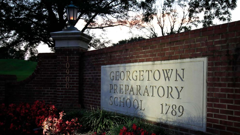 52e78f3487971 Georgetown University student paper says school did not inform of probe  into tennis coach ensnared in admissions scandal - ABC News