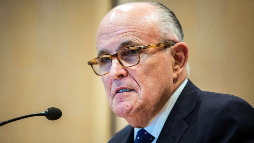 Demokrat ketua pengadilan Giuliani untuk dokumen yang di impeachment probe
