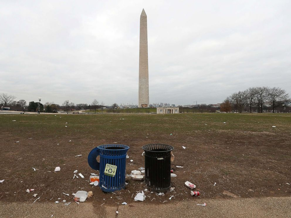 PHOTO:Trash lays on the grounds of the National Mall as the partial shutdown of the U.S. government goes into the 12th day in Washington, D.C., Jan. 2, 2019.