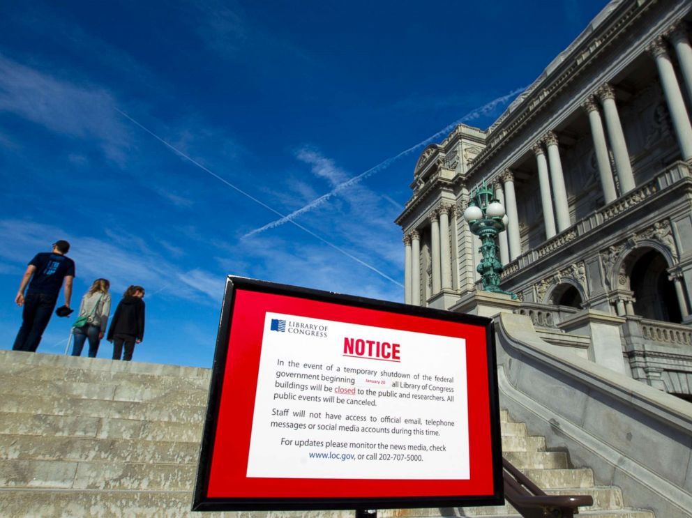 PHOTO: The Library of Congress posted a sign letting people know that it is closed due the shut down of the government, Jan. 20, 2018, in Washington, D.C.
