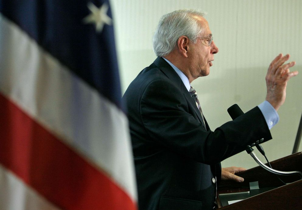 PHOTO: Democratic presidential hopeful Mike Gravel speaks at a news conference May 14, 2007, in Washington D.C.