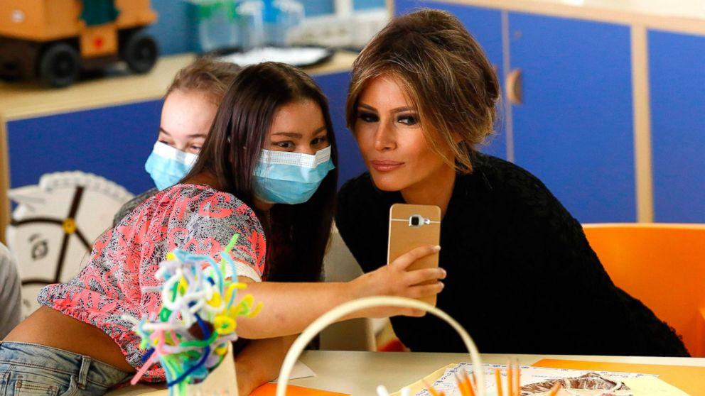 Kinder Garden: Melania Trump Visits Children's Hospital In Rome