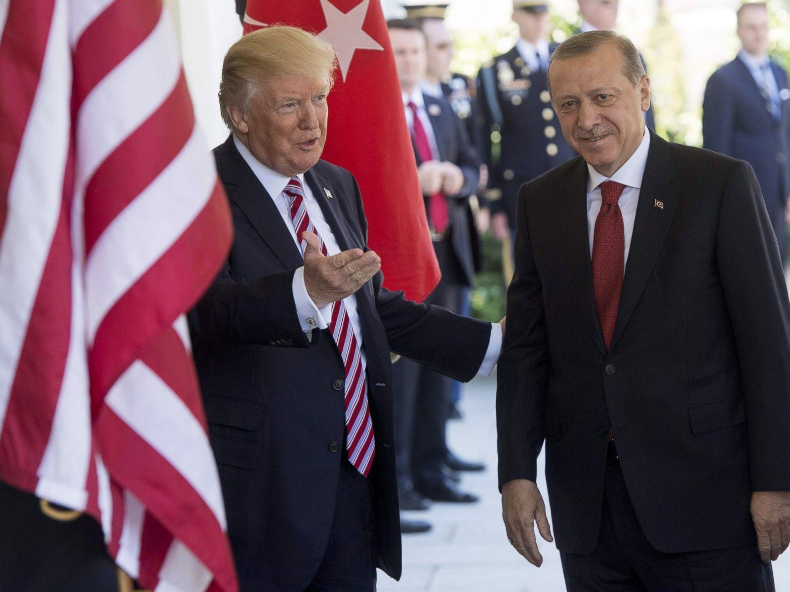 MNOGO GA POŠTUJEM, IMAMO DOBRE ODNOSE! Tramp dočekao Erdogana u Bijeloj kući!