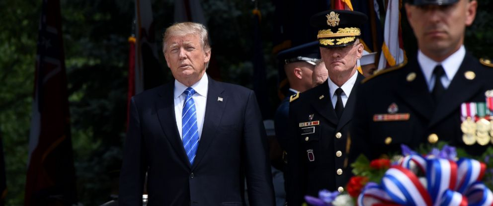 PHOTO: President Donald Trump participates in a wreath-laying ceremony at the Tomb of the Unknown Soldier at Arlington National Cemetery on Memorial Day, May 29, 2017, in Arlington, Va.