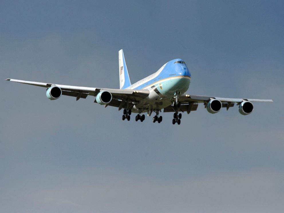 PHOTO: Air Force One made an approach from the north as it came in for a landing at Buckley Air Force Base, April 24, 2012.