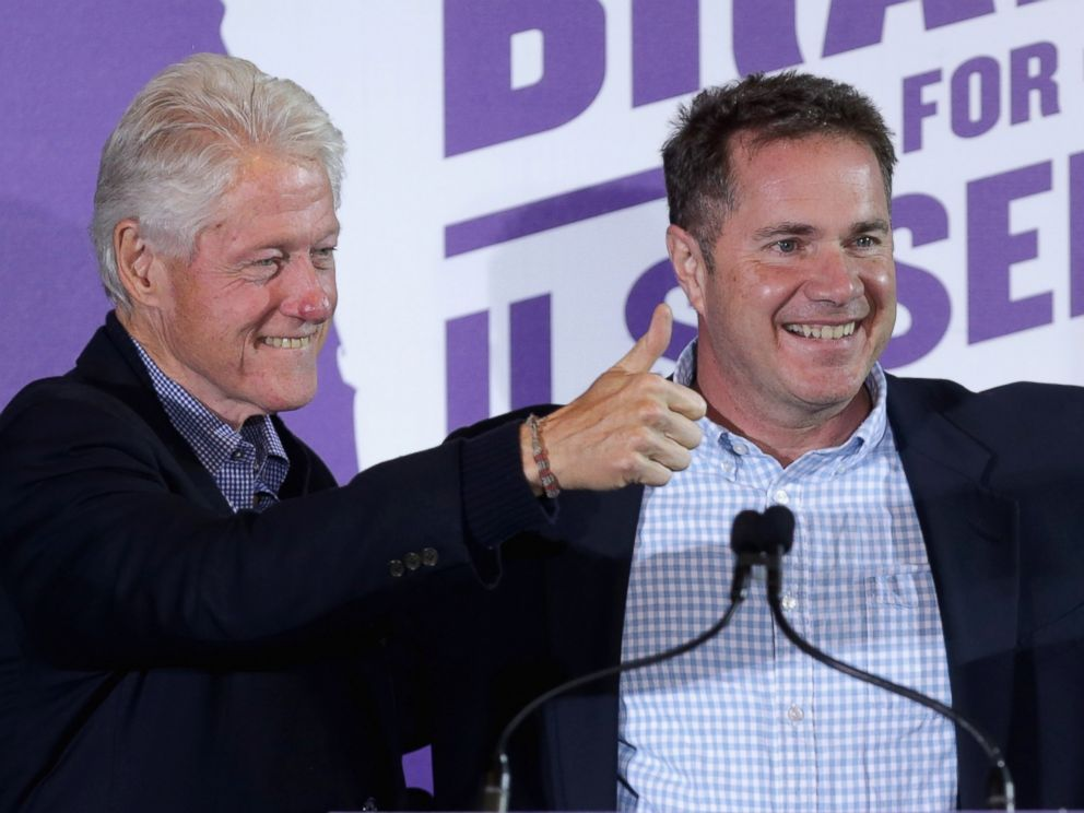 PHOTO: Former President Bill Clinton campaigns for Bruce Braley at the Electric Park Ballroom, Nov. 1, 2014 in Waterloo, Iowa.