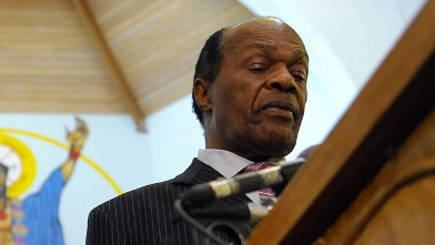 PHOTO: Marion Barry speaks at the Union Temple Baptist Church in Southeast where he held a press conference apologizing for recommending a contract to a person he was involved with.