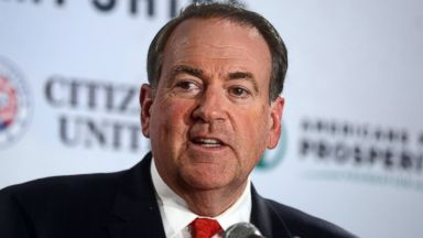 PHOTO: Former Arkansas Governor Mike Huckabee speaks at The Freedom Summit in Manchester, N.H. on April 12, 2014.