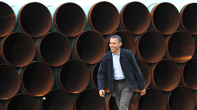 PHOTO: President Barack Obama arrives to speak, March 22, 2012, at the TransCanada Stillwater pipe yard in Cushing, Okla.