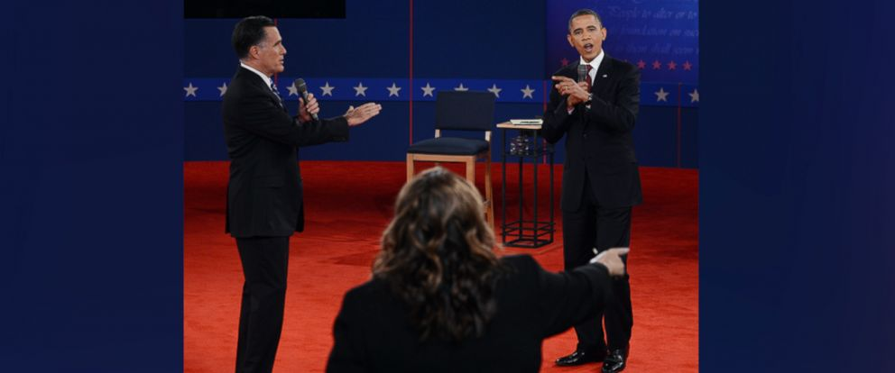 PHOTO: CNNs Candy Crowley (C) conducts the second presidential debate with Mitt Romney and Barack Obama at Hofstra University in Hempstead, New York, October 16, 2012.