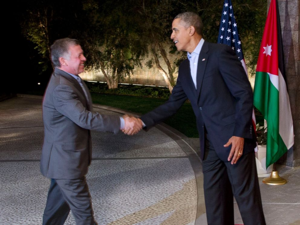 PHOTO: His Majesty King Abdullah II of Jordan and President Barack Obama shake hands at the Annenberg Retreat at Sunnylands in Rancho Mirage, Calif. on Feb. 14, 2014.