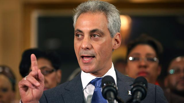PHOTO: Chicago Mayor Rahm Emanuel speaks during a press conference with at St. Sabina Church on Jan. 3, 2013, in Chicago.