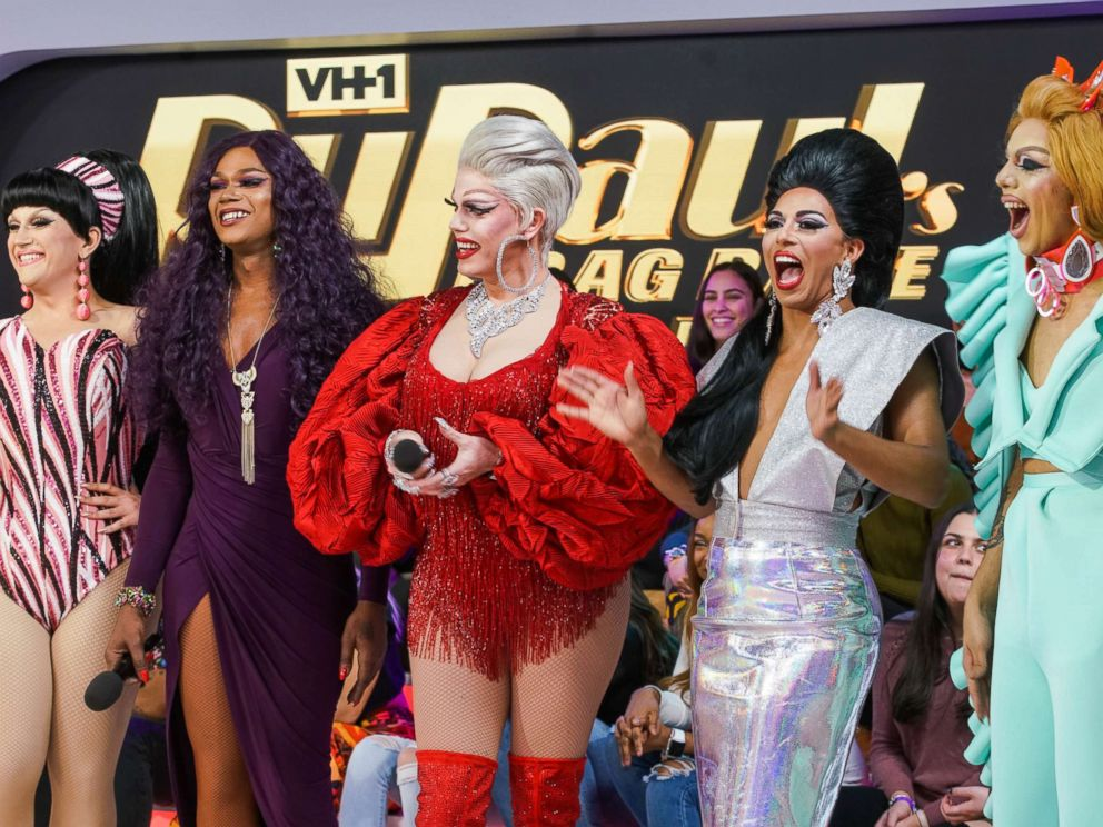 PHOTO: (L-R) BenDeLaCreme, Chi Chi Devayne, Morgan McMichaels, Shangela and Aja of RuPauls Drag Race attend the MTV TRL at MTV Studios on January 17, 2018 in New York City.