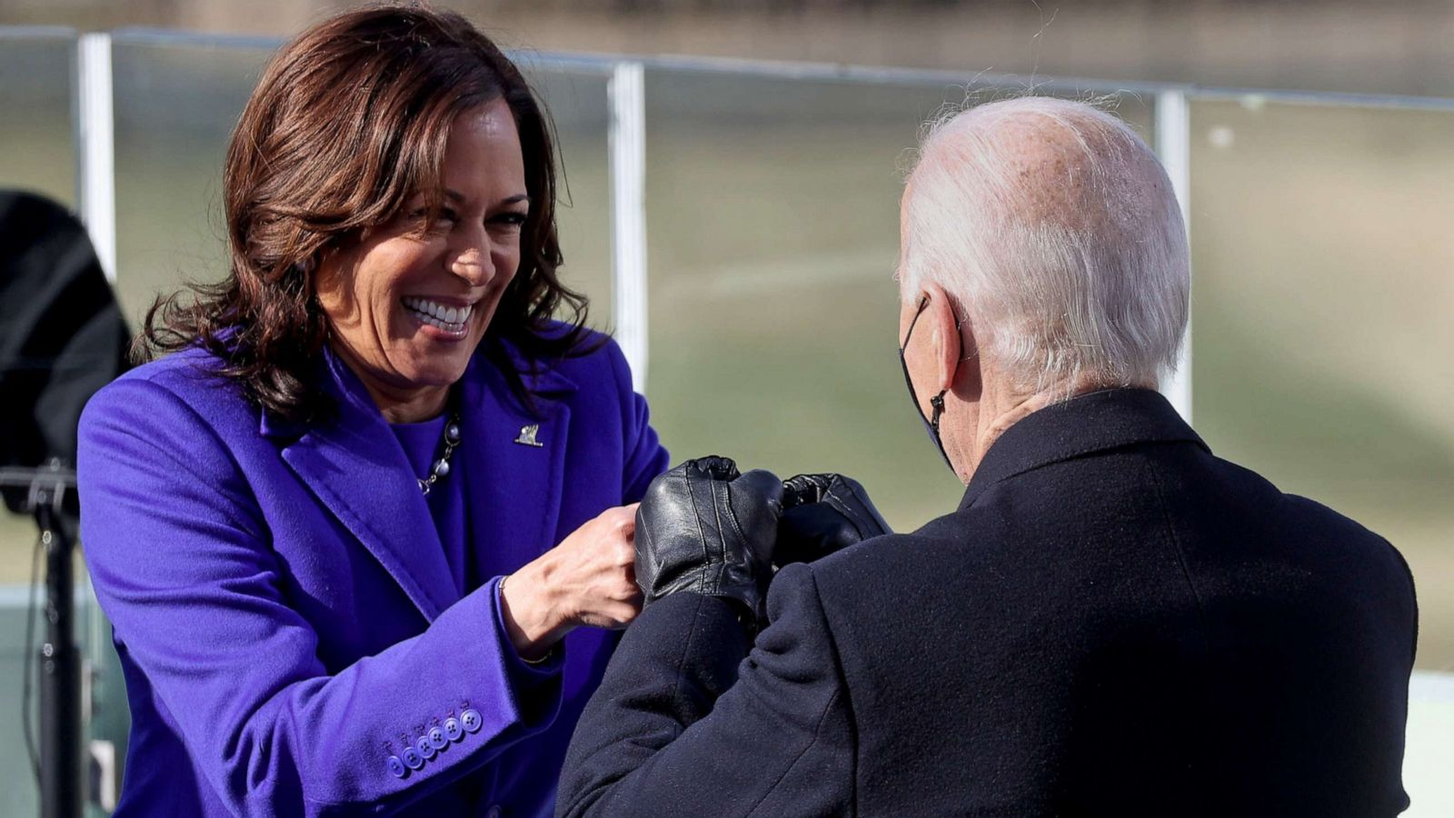 Joe Biden, Kamala Harris send 1st tweets from official White House accounts - ABC News