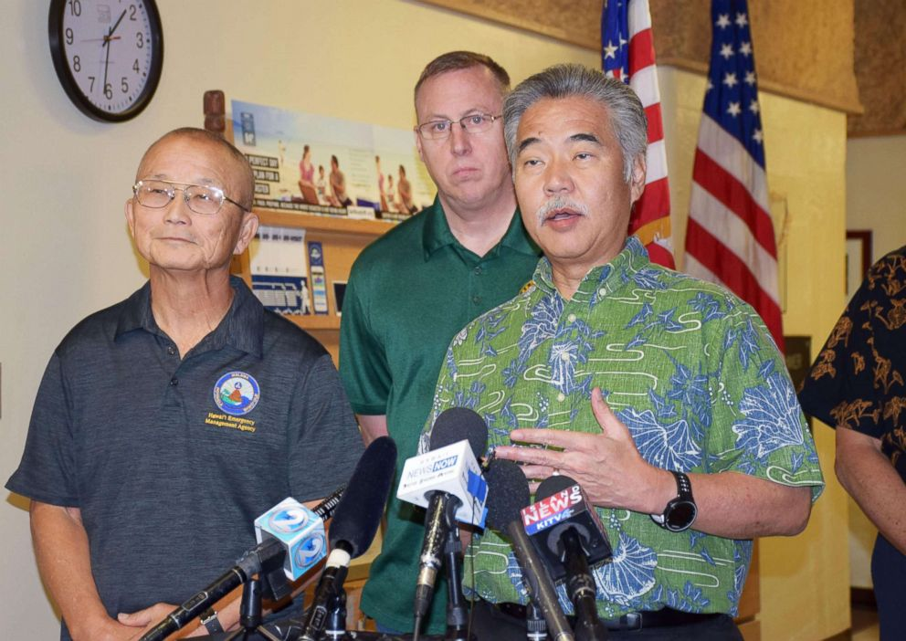 PHOTO: Hawaii Gov. David Ige, right, speaks to reporters in Honolulu on Jan. 13, 2018, after a false alert about an incoming ballistic missile was sent out to residents across the state by the Emergency Management Agency.