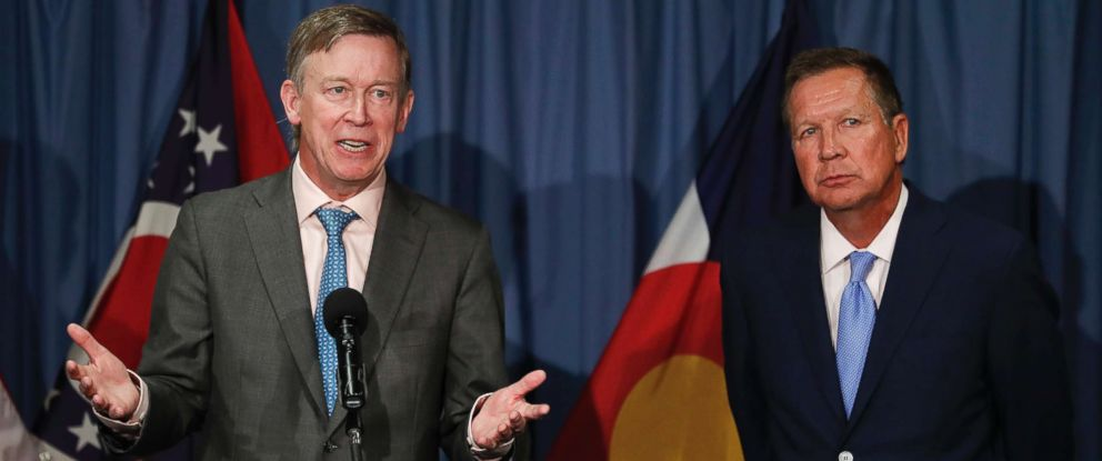 PHOTO: Colorado Gov. John Hickenlooper, left, joined by Ohio Gov. John Kasich, speaks during a news conference at the National Press Club in Washington, June 27, 2017.