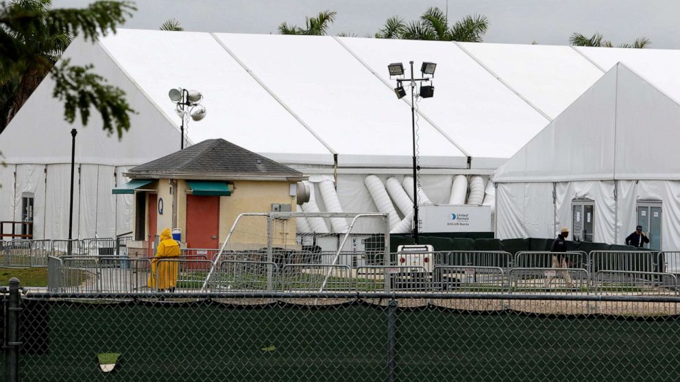 Feds to turn apartments once used by oil workers into new shelter for migrant kids thumbnail