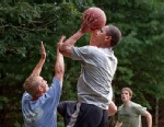 PHOTO: President Barack Obama plays basketball with White House staffers while on vacation on Marthas Vineyard, Aug. 26, 2009.