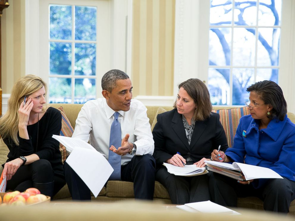 PHOTO: President Barack Obama meets with Kathryn Ruemmler, Lisa Monaco and National Security Advisor Susan E. Rice in the Oval Office, Jan. 7, 2014.