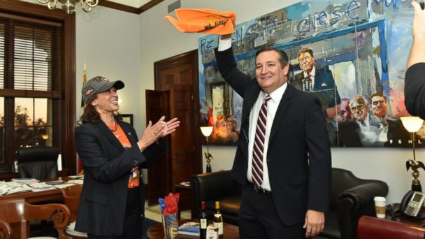 Kamala Harris visits Ted Cruz to make good on World Series bet