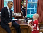 PHOTO: President Barack Obama greets Jack Hoffman, 7, of Atkinson, Neb., in the Oval Office, April 29, 2013.