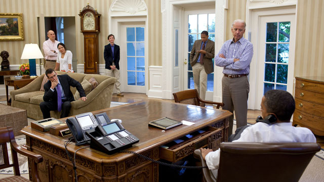 PHOTO: President Barack Obama talks on the phone with House Minority Leader Nancy Pelosi in the Oval Office to discuss ongoing efforts in the debt limit and deficit reduction talks on July 31, 2011.