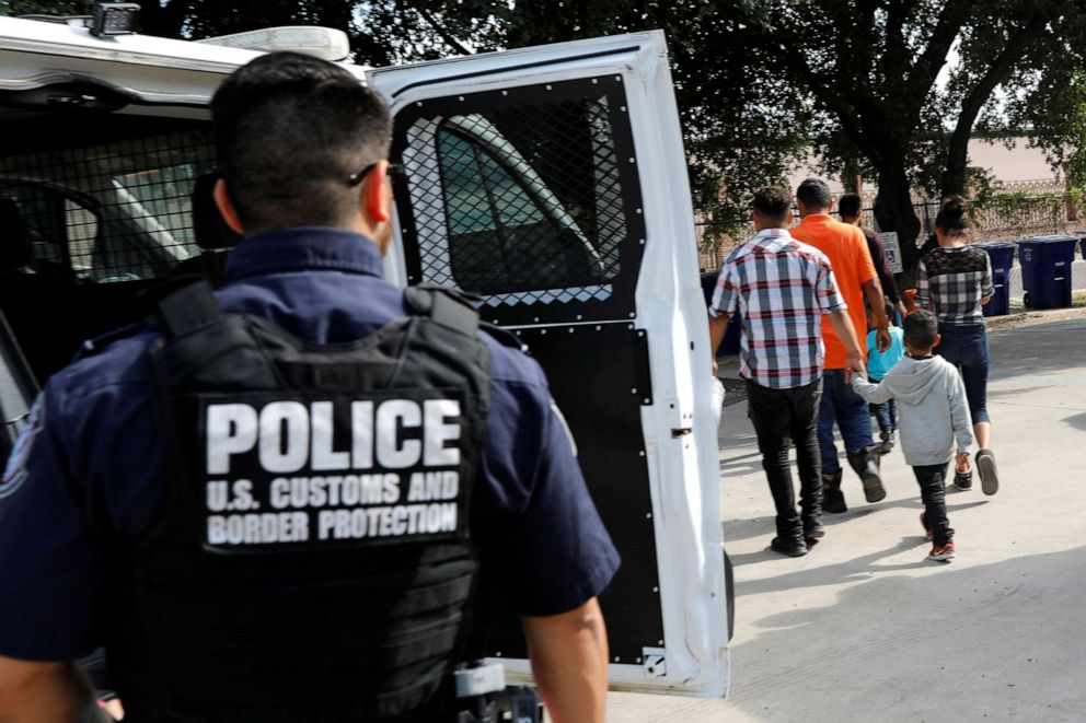 PHOTO: Central Americans arrive at a Catholic shelter which gives temporary shelter to asylum-seekers from Central America countries released by ICE and U.S. Customs and Border Protection due to overcrowded facilities, in Laredo, TX, on June 4, 2019.