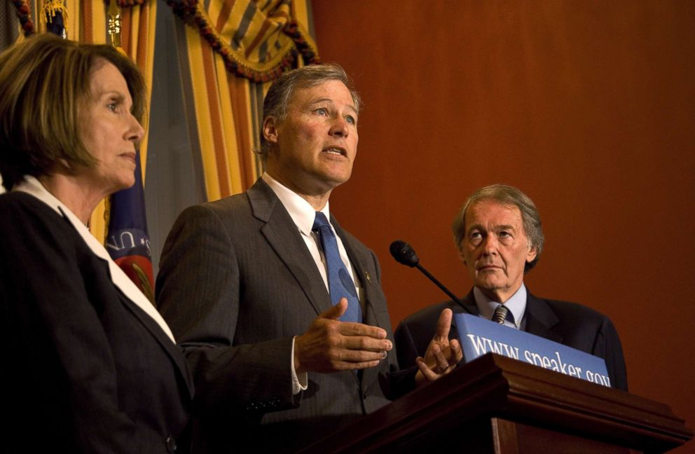 PHOTO: Speaker of the House Nancy Pelosi (D-Calif.), left, Rep. Edward J. Markey (D-Mass.), right, and Rep. Jay Inslee (D-Wash.), report on their recent trip to China, June 2, 2009.