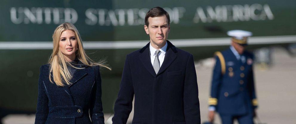 Photo White House Senior Advisors Ivanka Trump And Jared Kushner Walk To Air Force