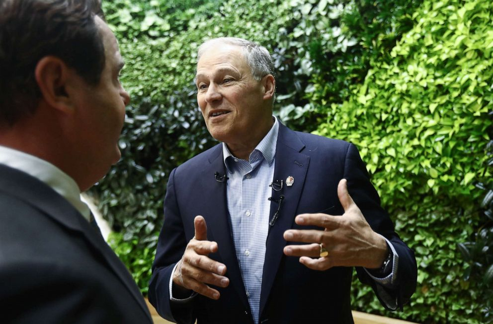 PHOTO: Democratic presidential candidate and Washington Governor Jay Inslee tours the LA Cleantech Incubator on April 18, 2019, in Los Angeles.