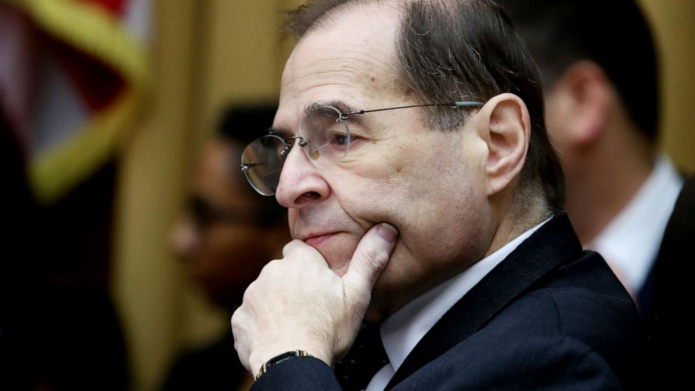 House Judiciary Chairman Jerry Nadler appears to nearly faint at New York event thumbnail