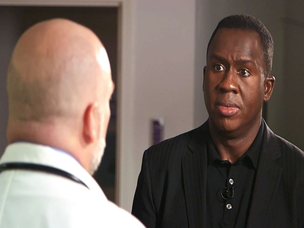PHOTO: ABCs Steve Osunsami talks with Dr. Jessie Copeland about the impact of hospital closures in rural Tennessee