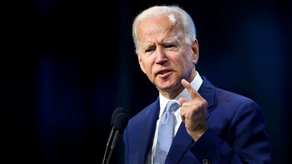 ウクライナ、impeachment問い合わせる政治的危険に対Biden:専門家