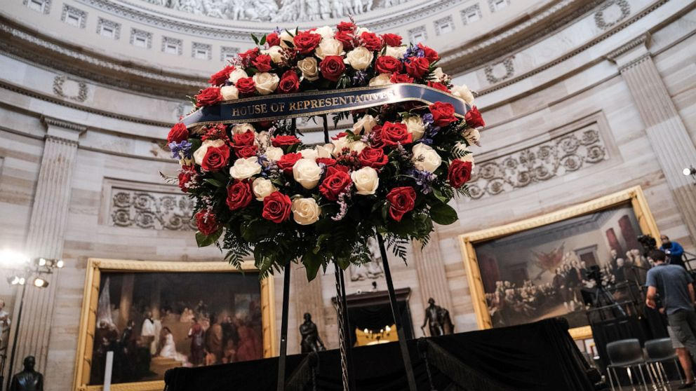 Procession begins for the late Rep. John Lewis before he lies in state at the US Capitol thumbnail
