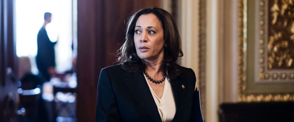 PHOTO: Sen. Kamala Harris, D-Calif., leaves the Senate Democrats policy lunch, Oct. 10, 2018.