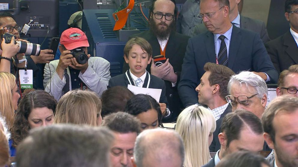 PHOTO: A student reporter was allowed to ask a question at the White House press briefing on Wednesday, May 30, 2018.  Sarah Sanders chokes up when boy questions her about school shootings at White House briefing kid reporter wh press briefing 02 abc jef 180530 hpEmbed 16x9 992
