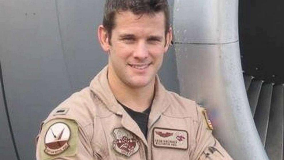 Illinois congressman deploys to southwest border mission as Guardsman thumbnail