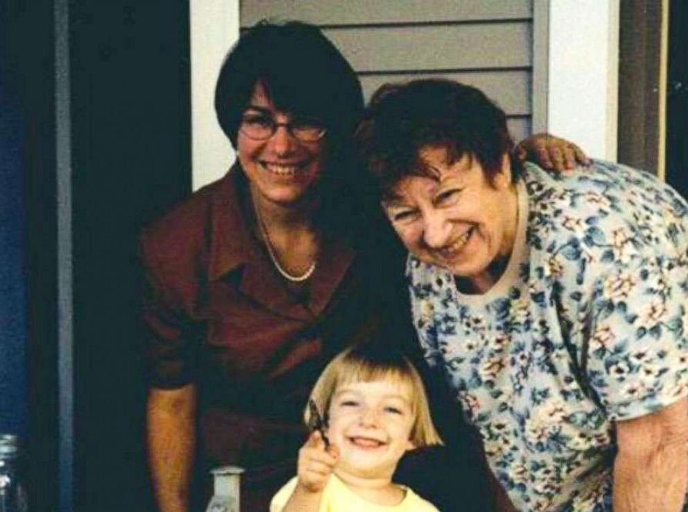 PHOTO: Democratic presidential candidate Amy Klobuchar shared this photo of her mother and daughter for Mothers Day.