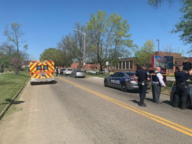 Shooting at Tennessee high school leaves 1 dead, police officer injured