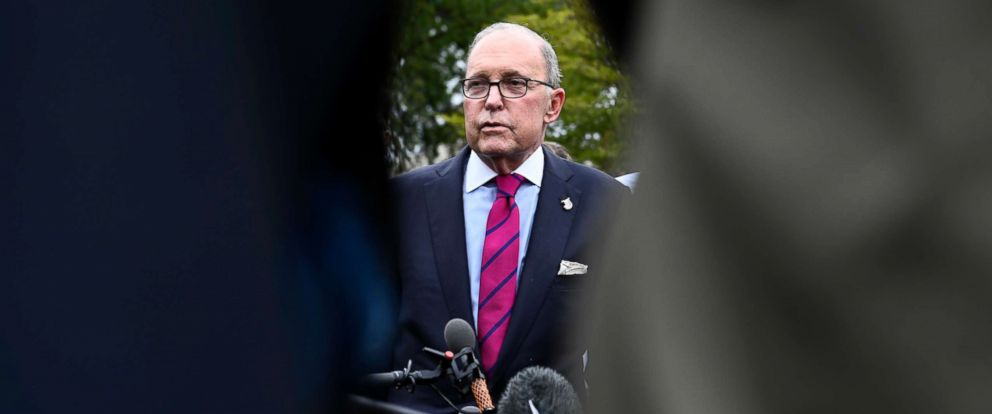 PHOTO: White House National Economic Council Director Larry Kudlow talks with reporters at the White House in Washington, Oct. 10, 2018.