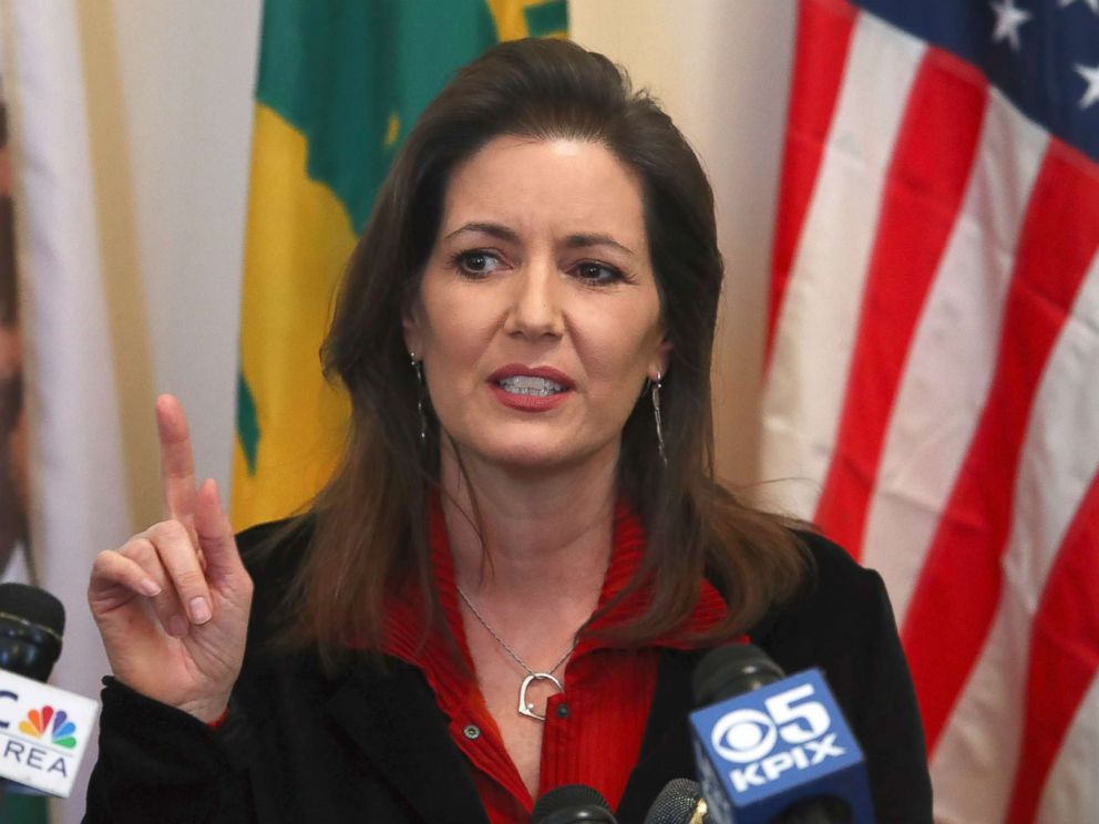 PHOTO: Oakland Mayor Libby Schaaf gestures while speaking during a media conference, March 7, 2018, in Oakland, Calif.