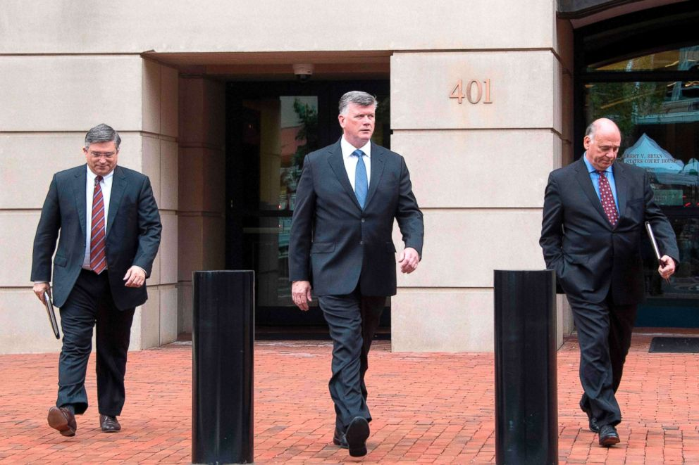 PHOTO: The defense attorneys for former Trump campaign manager Paul Manafort, including lead attorney Kevin Downing, center, Richard Westling and Thomas Zehnle, depart the US Courthouse in Alexandria, Va., Aug. 21, 2018.