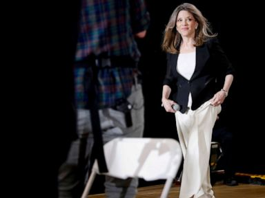 Democratic presidential candidate Marianne Williamson makes push for reparations