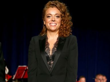 Comedian Michelle Wolf delivers one-liner in response to Trump attack