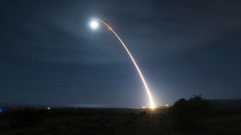 米国ICBMからカリフォルニアで一晩試験