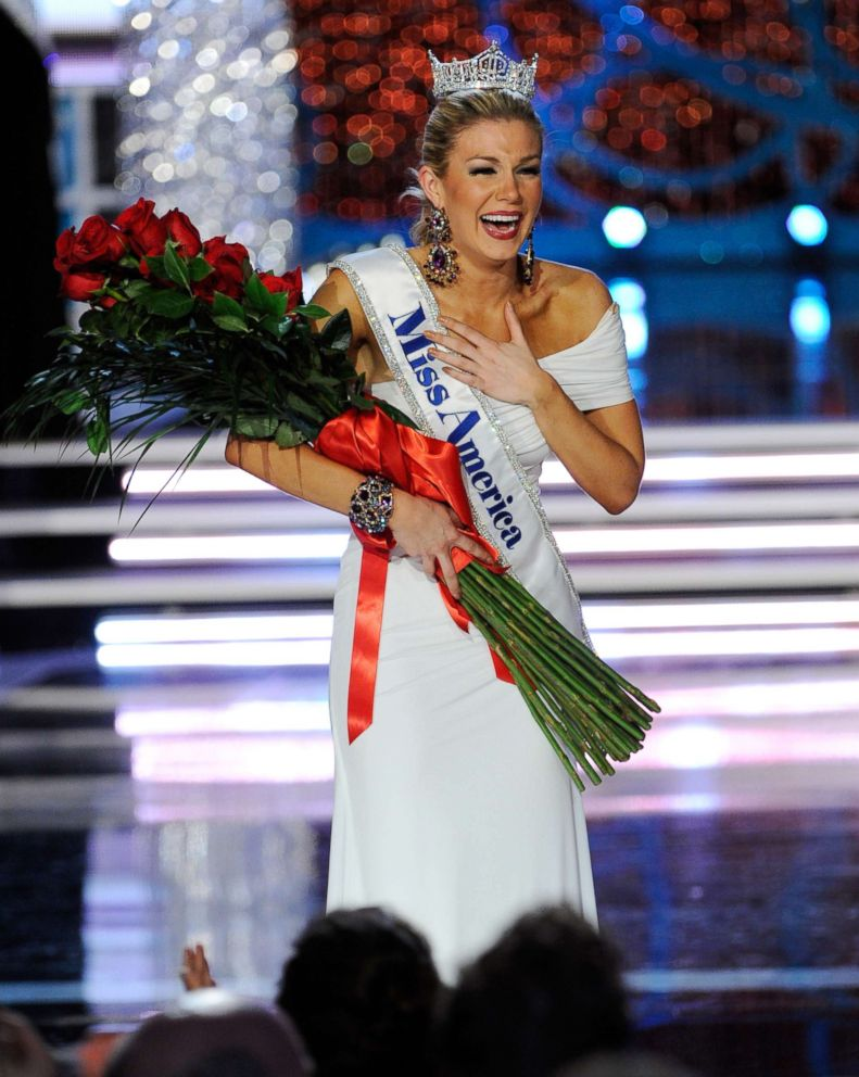 PHOTO: Miss New York Mallory Hytes Hagan is crowned the new Miss America during the 2013 Miss America Pageant at PH Live at Planet Hollywood Resort & Casino, Jan. 12, 2013, in Las Vegas.