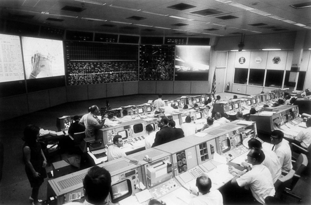 PHOTO: Overall view of the Mission Operations Control Room in the Mission Control Center, bldg 30, during the lunar surface extravehicular activity (EVA) of Apollo 11 Astronauts Neil A. Armstrong and Edwin E. Aldrin Jr.