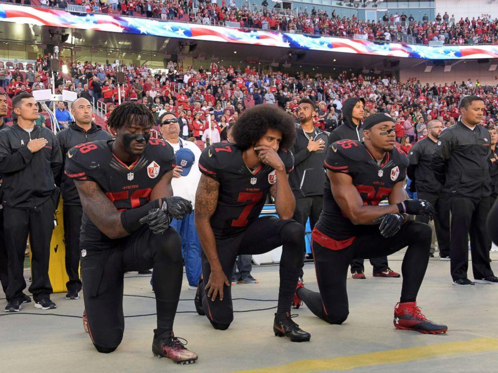PHOTO San Francisco 49ers Outside Linebacker Eli Harold 58 Quarterback Colin Kaepernick