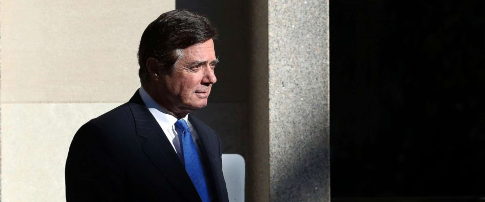 PHOTO: Paul Manafort walks from Federal District Court in Washington, D.C., Oct. 30, 2017.